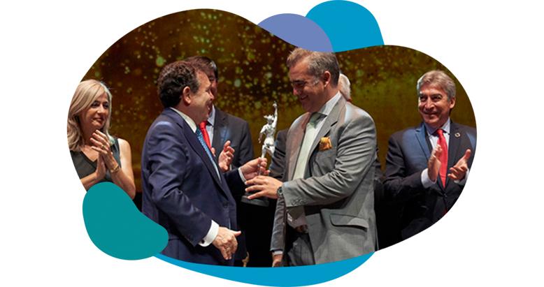 Matías de la Puerta recoje Premio a la economía digital